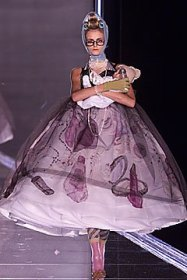 christian-dior-spring-2001-haute-couture