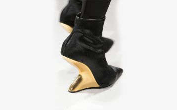 The sculpture heel